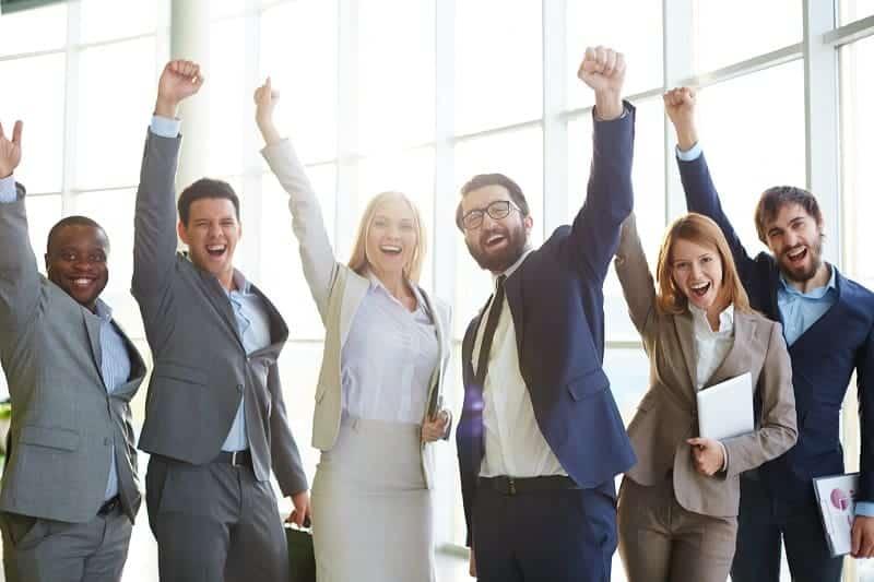 5 benefícios para manter os funcionários felizes